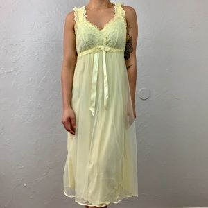 Vintage lace nightgown size XS/Small